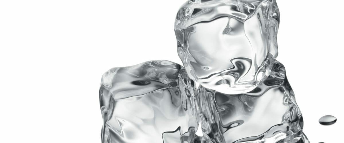 Kälteanwendung zur Schmerzlinderung und zur Durchblutungsförderung während der physiotherapeutischen Behandlung.