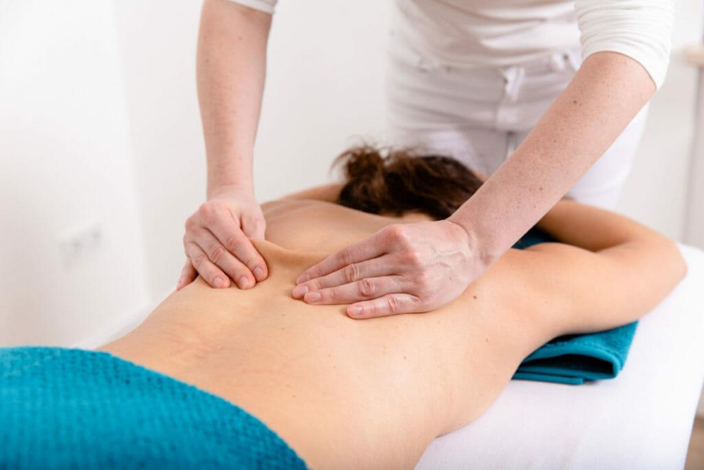 Klassische Massagetherapie Faszienbehandlung