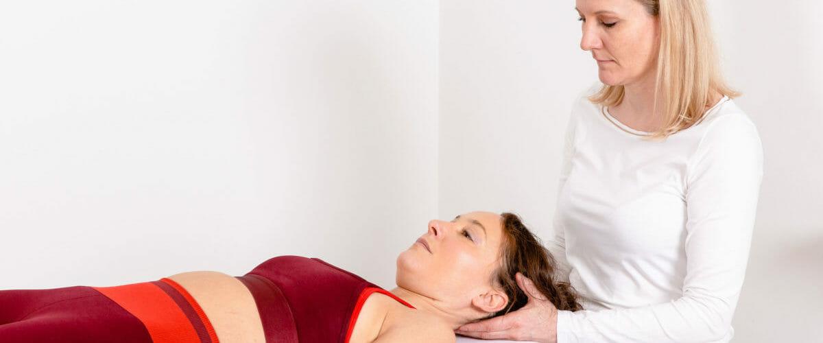 Traktion-/Extensionsbehandlung der Halswirbelsäule